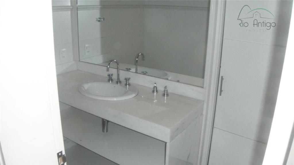 copacabana posto 2 próximo ao copacabana palace. excelente apartamento em ótimo estado de conservação, frente com...