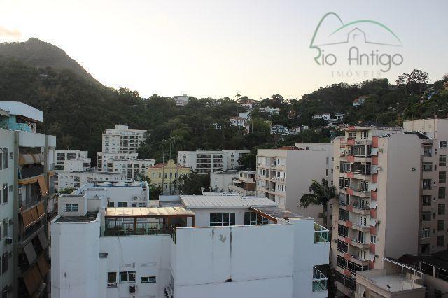botafogo, localização privilegiada próximo ao comércio e com farta opção de transporte. apartamento em andar alto...