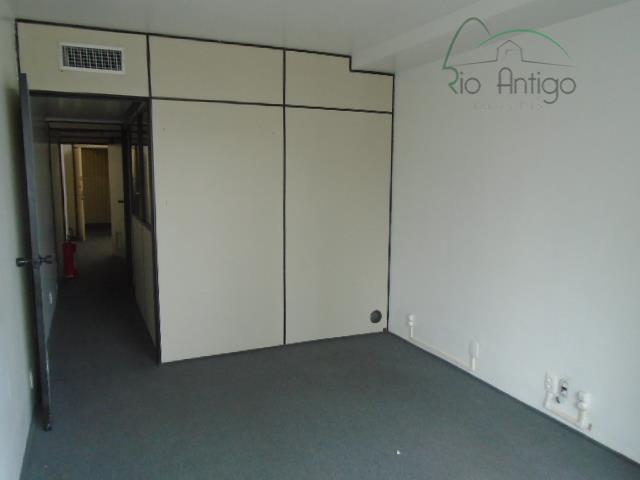 centro em localização privilegiada, próximo do fórum e do metrô carioca. excelente conjunto comercial com vista...