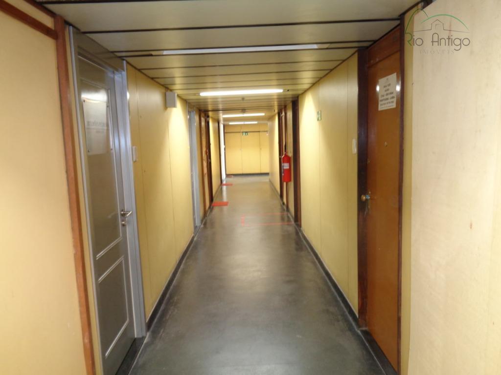 centro próximo ao aeroporto santos dumont e ao metrô cinelândia. excelente sala comercial pronta para uso,...