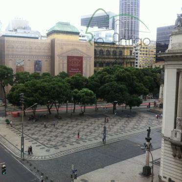 centro em ótima localização na região da cinelândia, próximo a estação do metro e do vlt....