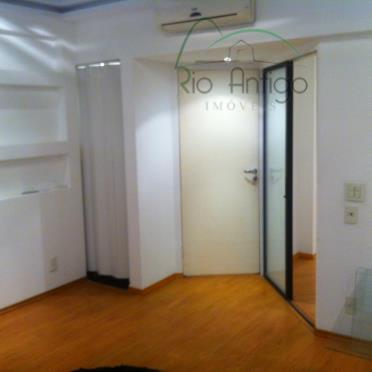 Sala Comercial - Avenida Treze de Maio - Locação - Centro