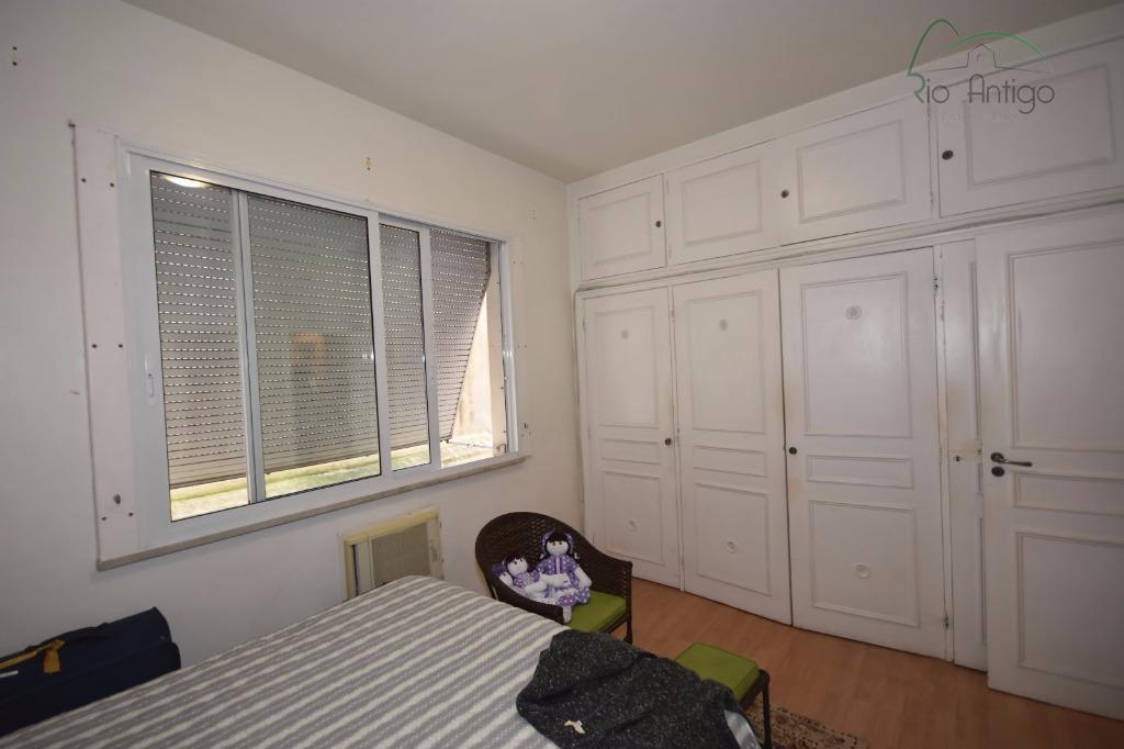 excelente apartamento com ótima localização em botafogo, próximo do metrô, shopping e hospital samaritano. imóvel composto...