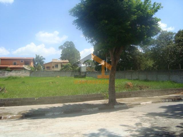 lote com 1.024m², excelente localização, rua sem saída, topografia plano, pronto para construir.