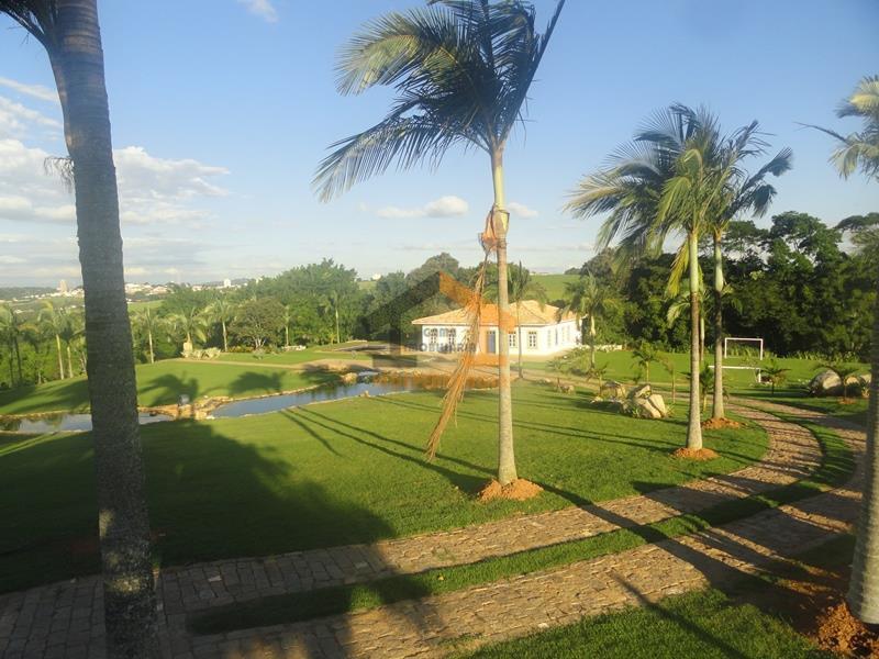 belíssimo sítio em itatiba, a 5 minutos do centro da cidade, fácil acesso para as principais...