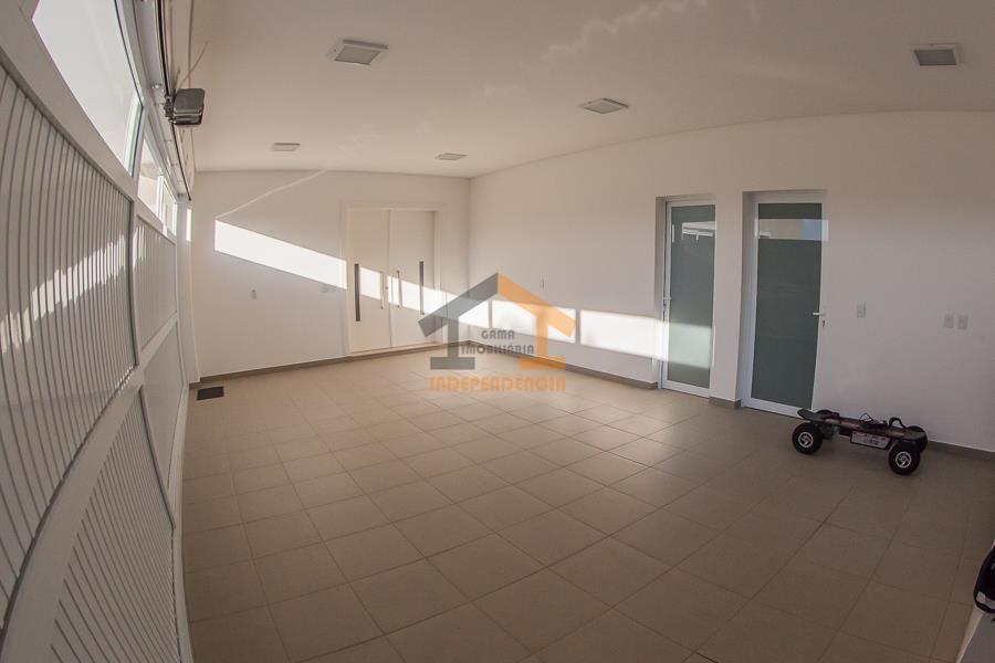 casa térrea, priorizando o fator termo-acústico / tijolos de barro 5 suítes (4 com closet e...