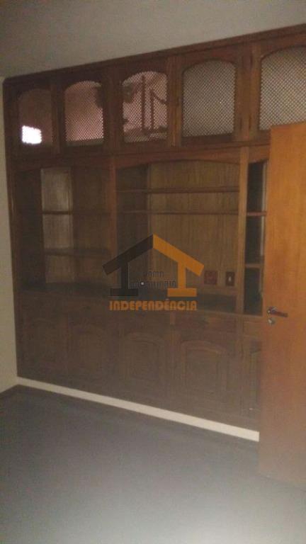 apartamento em excelente localização, com 3 dormitórios com armários embutidos, sendo 1 suíte com closet, sala...