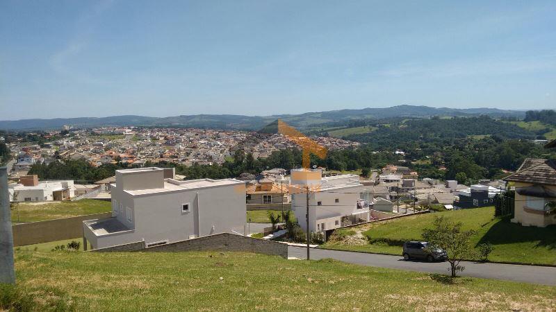 lote com 450m², ótima localização, topografia leve aclive, pronto para construir.