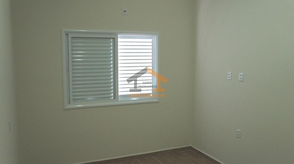 aceita financiamento bancáriocasa com ótimo acabamento, térrea, com 3 suítes com closet, sala 2 ambientes, lavabo,...