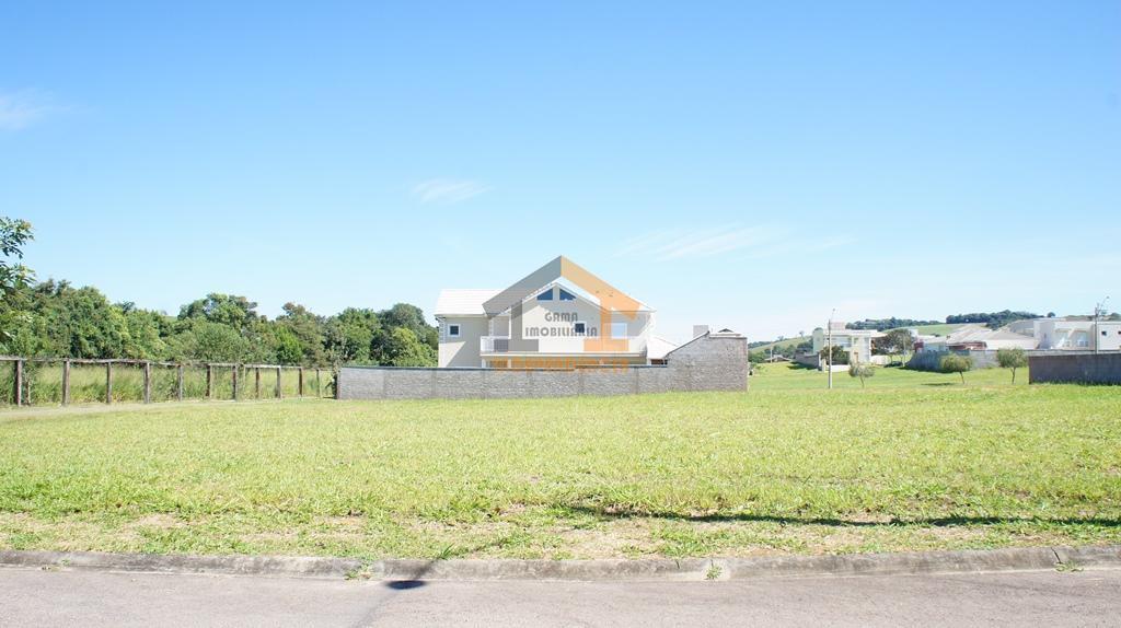 lote com 557m², ótima localização, rua sem saída, topografia plano, pronto para construir.