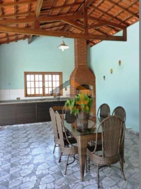 aceita financiamento bancáriocasa térrea 3 dormitórios, sendo 1 suíte com ar condicionado, sala para dois ambientes,...