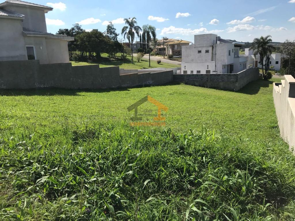 lote com 756m², ótima localização, topografia leve declive, pronto para construir.o condomínio villaggio paradiso possui na...
