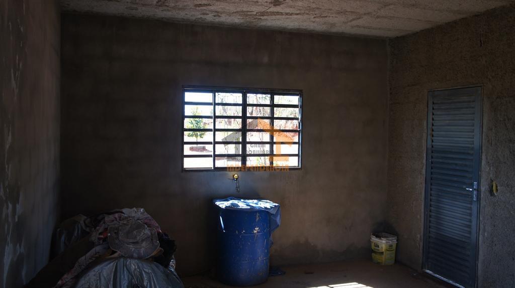 aceita carro ou apartamento como parte de pagamentochácara com casa térrea inacabada com 2 dormitórios, cozinha,...
