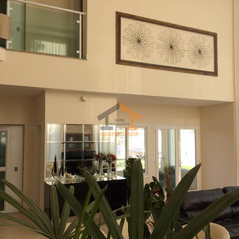 linda residência com uma vista espetacular para o lago do condomínio. 03 suítes com ar condicionado,...