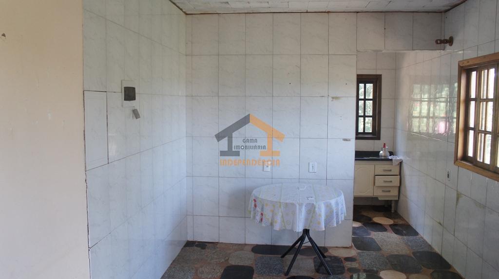 aceita carro, terreno ou apartamento como parte de pagamentochácara com casa inacabada, possuindo: 3 dormitórios, sala,...