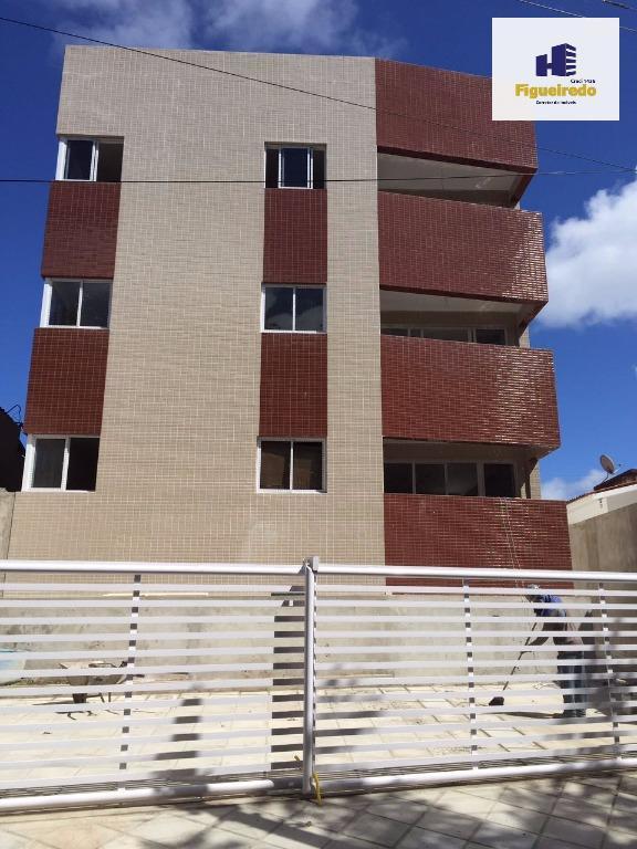 Apartamento com 3 dormitórios à venda, 76 m² por R$ 175.000 - Bancários - João Pessoa/PB