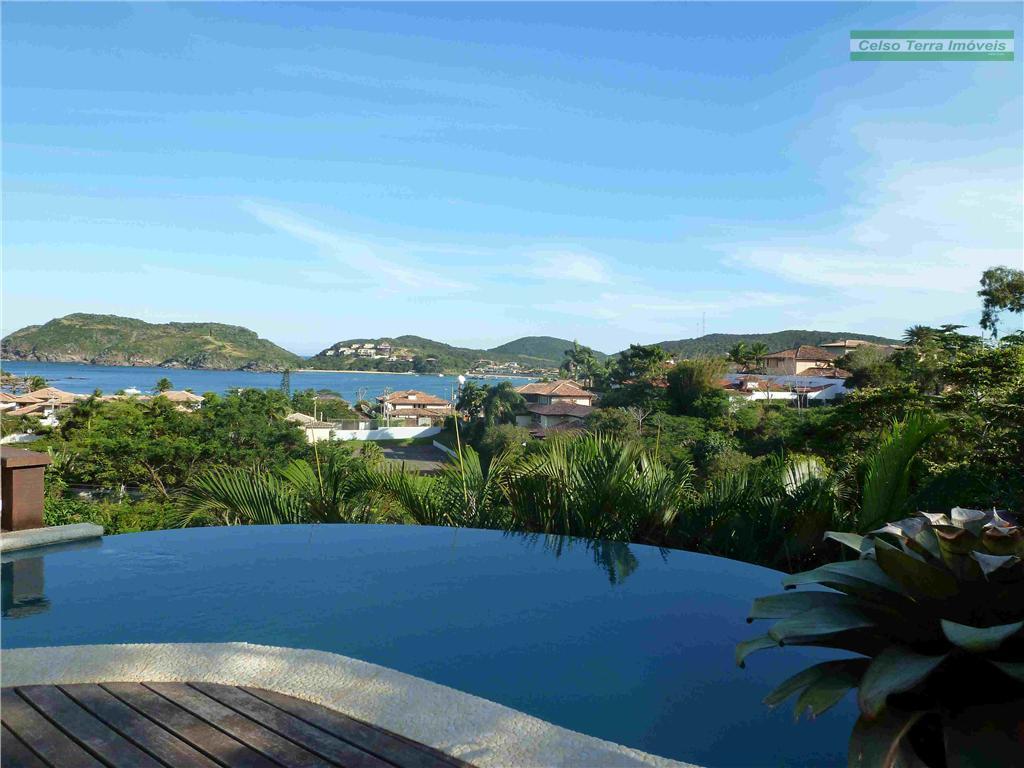 Junto à praia! 4 dormitórios, piscina, hidro, charme muito charme! Ferradura!