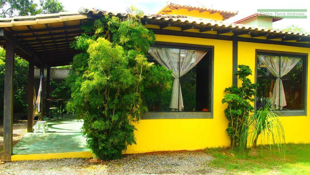 Especial residência, com dois dormitórios e excelente jardim! Barbadinha!