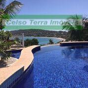 Impecável e luxuosa residência na Ferradura!