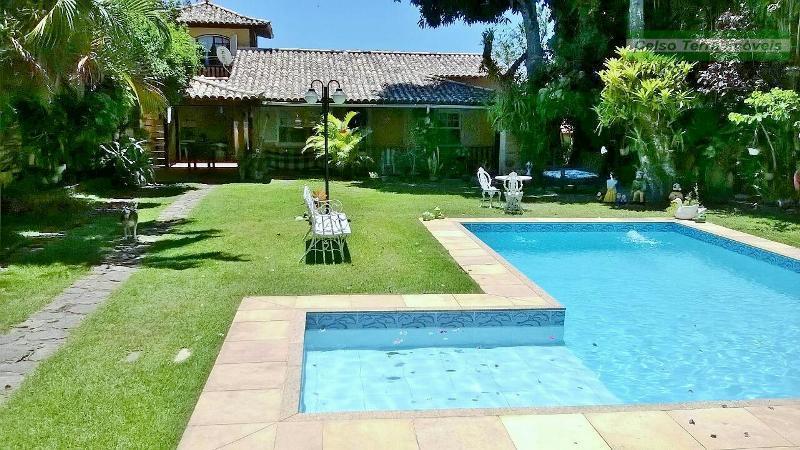 Grande jardim, piscina, pertinho de Geribá.
