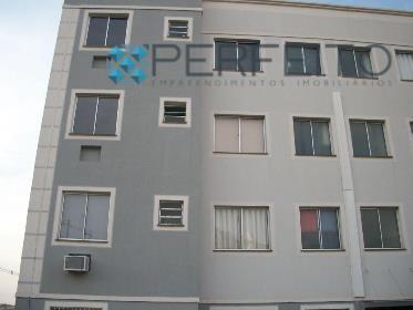 Apartamento residencial para locação, Jardim Roma, Londrina - AP0164.
