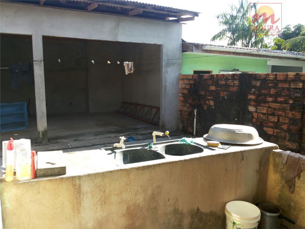 imóvel contendo: garagem para 02 veículos, sala, 04 dormitórios sendo 01 suíte e 01 suíte externa...