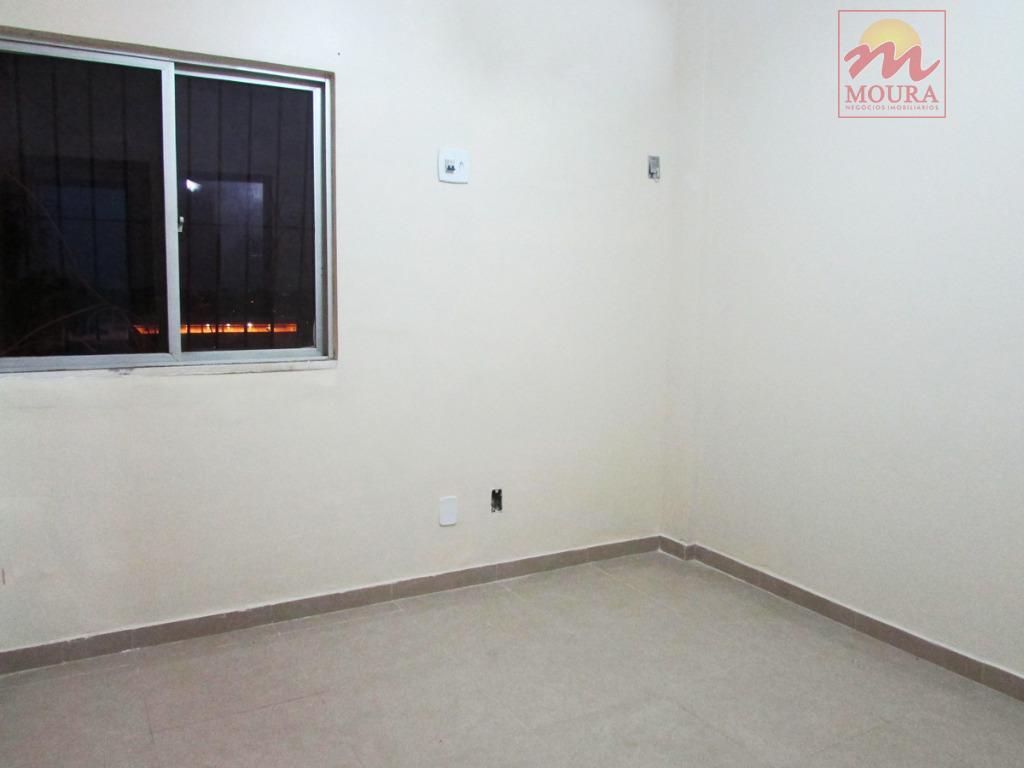 excelente imóvel residencial de um pavimento, bem localizado no bairro pacoval, contendo: garagem coberta para 02...