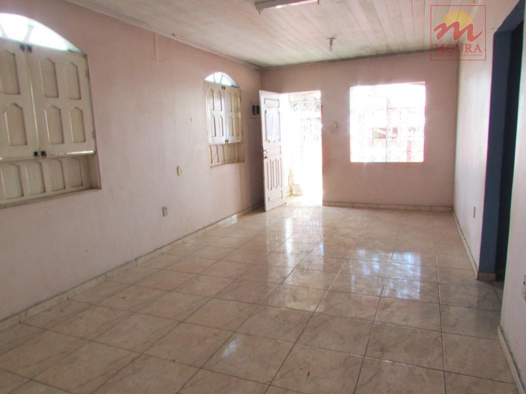 excelente residencial, bem localizado no bairro do trem, contendo: garagem para 02 veículos, sala de estar...