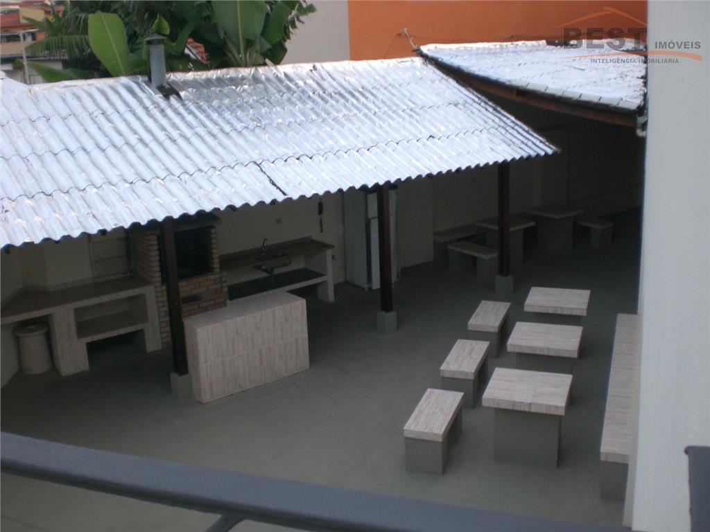 ótima localização, pronto para morar com armários embutidos, living 2 ambientes, varanda, cozinha planejada, garagem, lazer