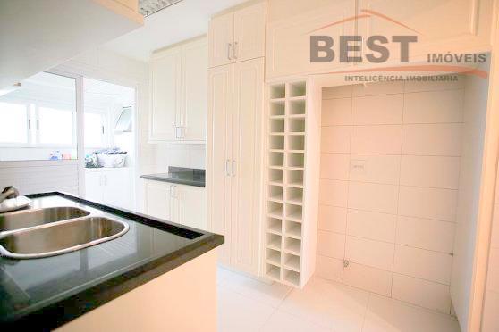 apartamento de 223 metros quadrado de área útil com sala ampla,4 suítes, 2 depósitos e 4...