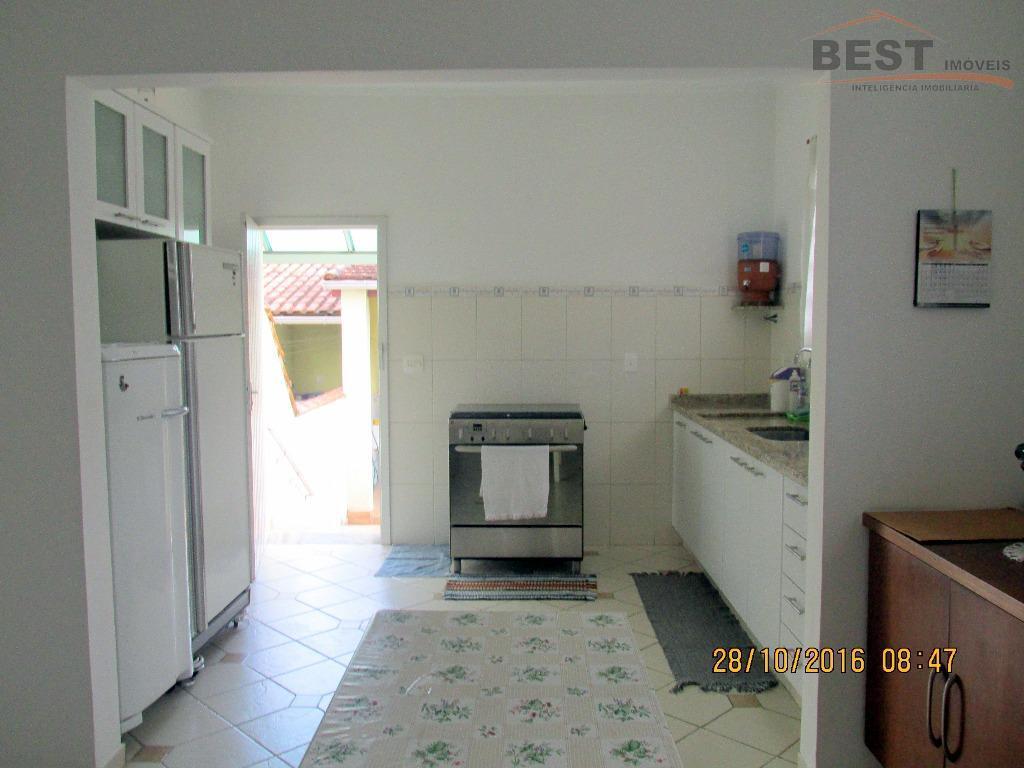 sobrado bem localizado próximo à rua passo da pátria, c/ 140 m² de área construída e...