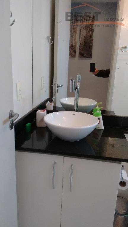 apartamento impecável, entrar e morar, com armários no dormitório, living 2 ambientes, varanda,cozinha planejada, uma vaga,...