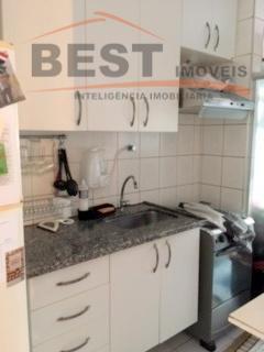 apto. localizado no bairro da vila leopoldina, andar alto, 2 dts. com armários, 1 wc., sala...