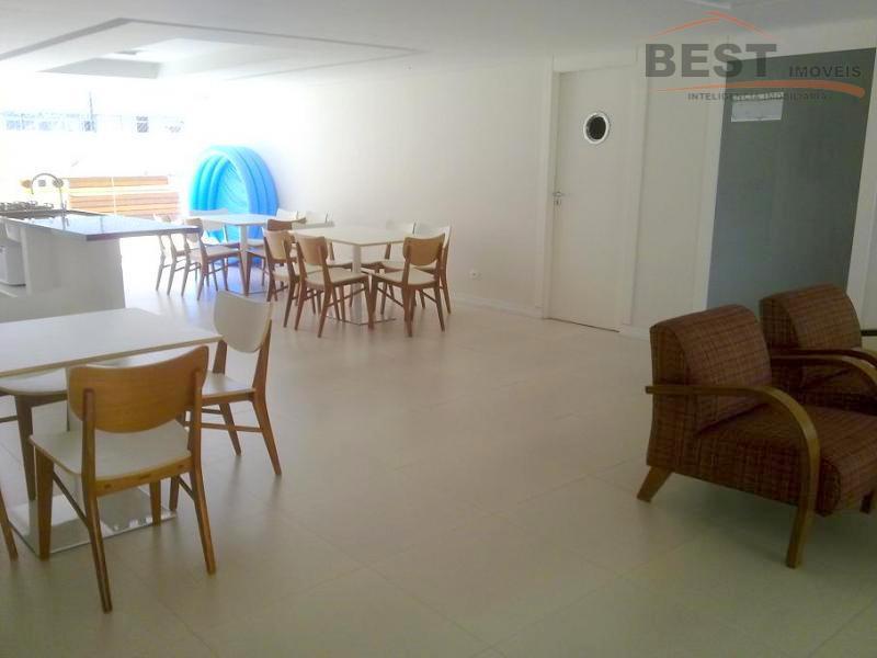 apto no bairro dos jardins, excelente localização, área útil de 145 m2, 3 dts. com armários,...