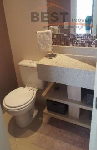 apto todo reformado com armários planejados em todos os ambientes, com três dormitórios sendo uma suíte...