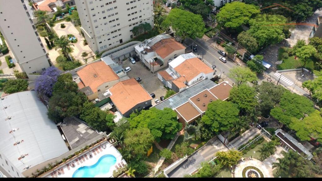 ótima localização, próximo a bancos, colégios, restaurantes, condomínio com área lazer completa, 3 suítes com armários...