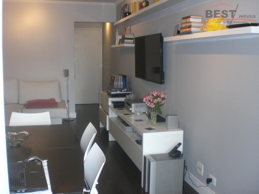ótima localização, próximo a colégio, restaurantes, bancos, apartamento reformado, 2 dormitórios com armários, sala 2 ambientes,...