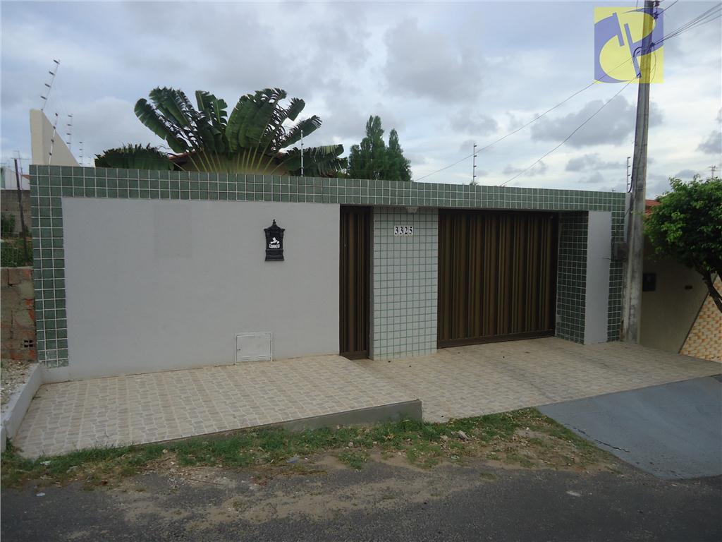 excelente casa plana - no alagadiço novo - fortaleza - com área construida de 140m² -...