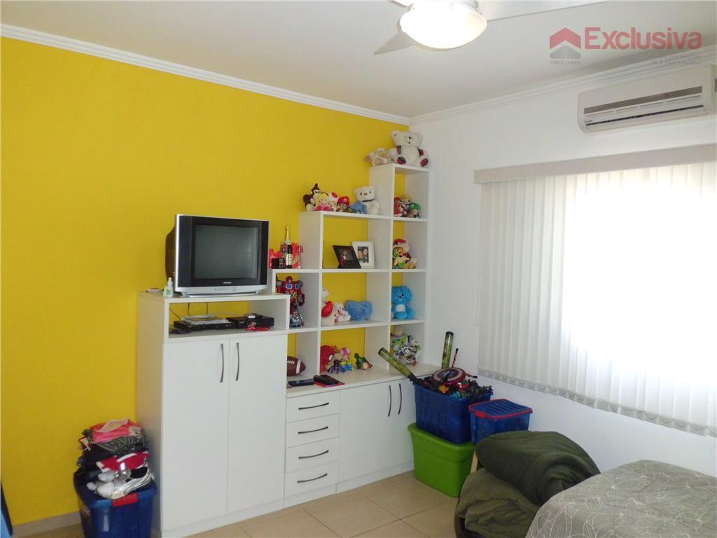 excelente sobrado, completo de mobiliá e eletrodomésticos, com 03 dormitórios, sendo 02 suítes, 01 com closet,...