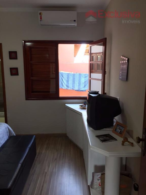 casa com 3 dormitórios, sendo 1 suíte, cozinha, sala de tv/ jantar, lavanderia, banheiro, ar condicionado,...