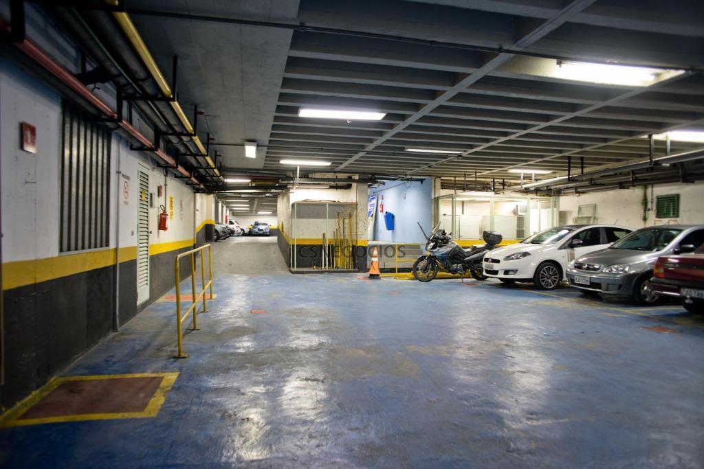 subsolo garagens