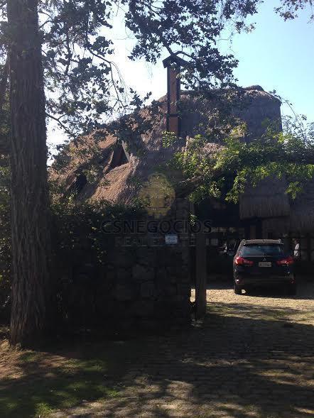 casa residencial à venda, alto do capivari, campos do jordão.localizada no melhor bairro de campos de...
