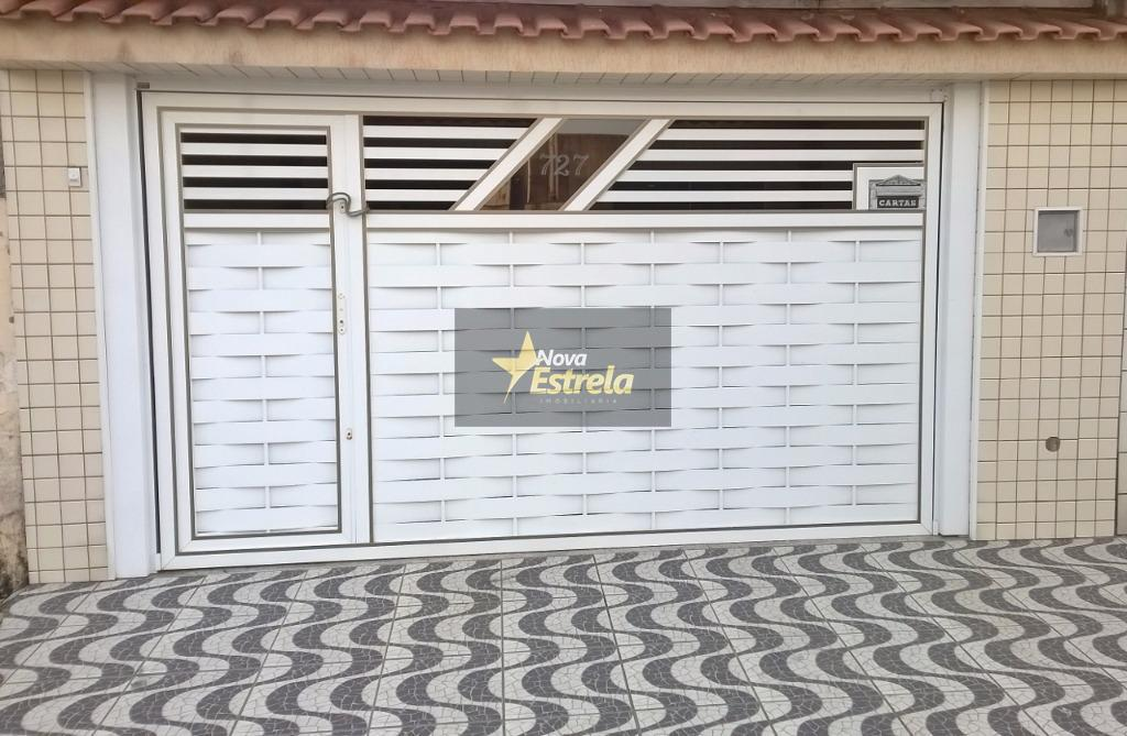Belíssima casa próximo ao Mar. 2 dormitórios sendo 1 suíte, á venda, Vila Tupi - Praia Grande Sp