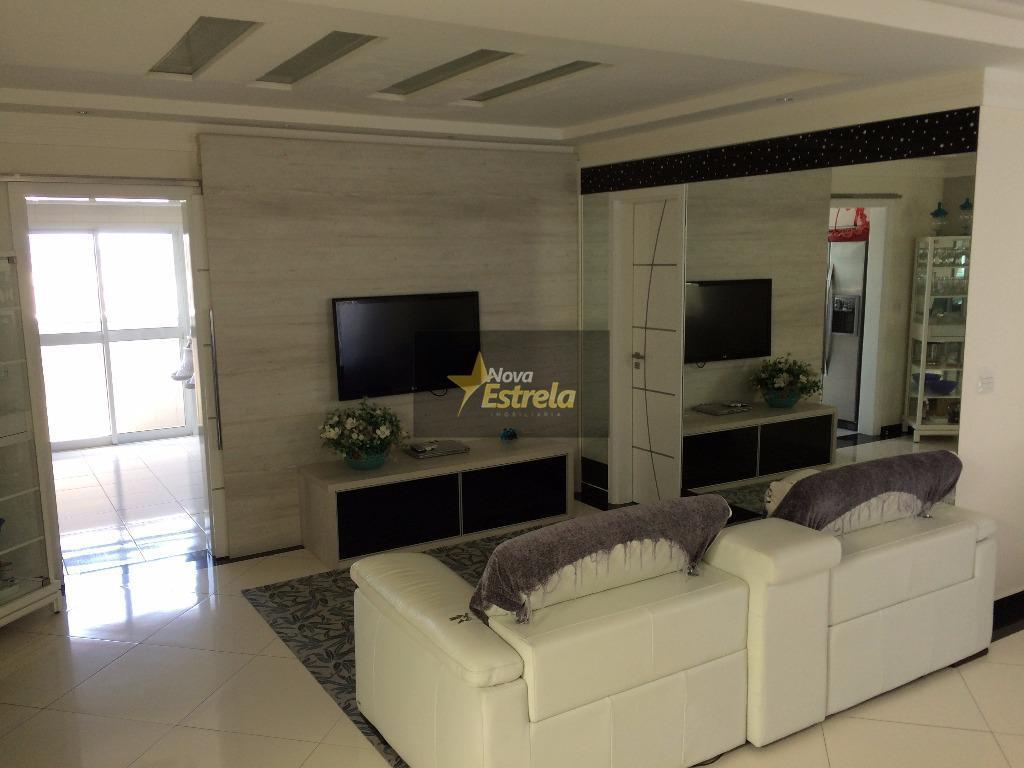 Belíssimo apartamento duplex mobiliado a 100 metros do Mar. 4 dormitórios sendo 4 suíte, Tupi, Praia Grande- Sp