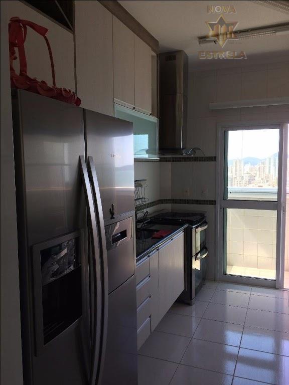 baixamos o preço! oportunidade imperdível!belíssimo apartamento duplex alto padrão mobiliado a 100 metros do mar. 4...