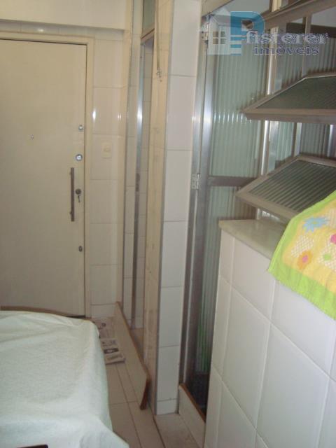 belíssimo apartamento em ótimo estado na av. henrique dodsworth (corte do cantagalo), prédio com entrada também...
