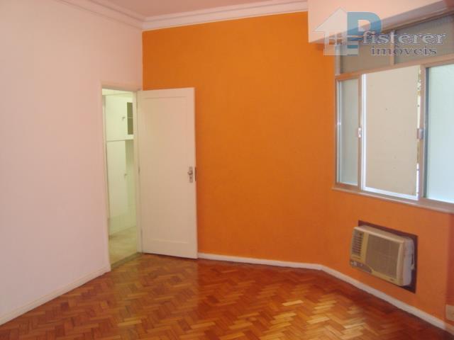 Miguel Lemos, 130 m2, 2 salas, 3 qtos, suite e vaga