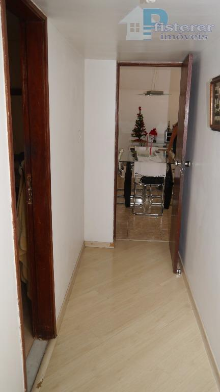 ótimo apartamento em rua tranquila e sem saída com guarita de segurança na lagoa, em prédio...