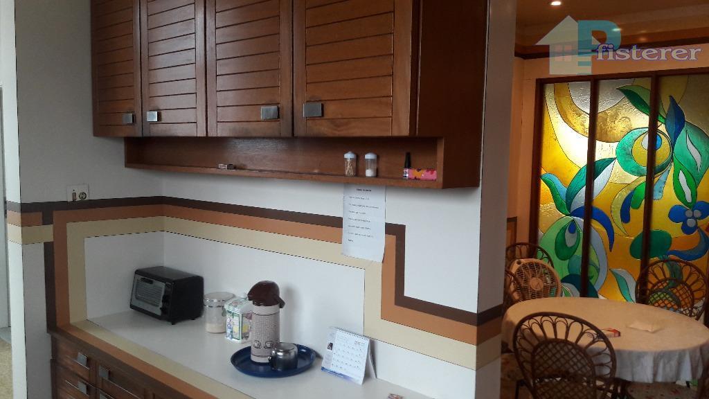 belíssimo apartamento na rua cupertino durão no leblon, quadra da praia, aprox 210 m2, 1 apto...