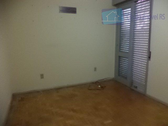 excelente casa de 3 dormitórios, sala de estar, sala de jantar, banheiro social, lavabo, dependência de...